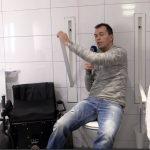 Video: Versenkbare Haltegriffe WC barrierefrei Bad Rollstuhl Design