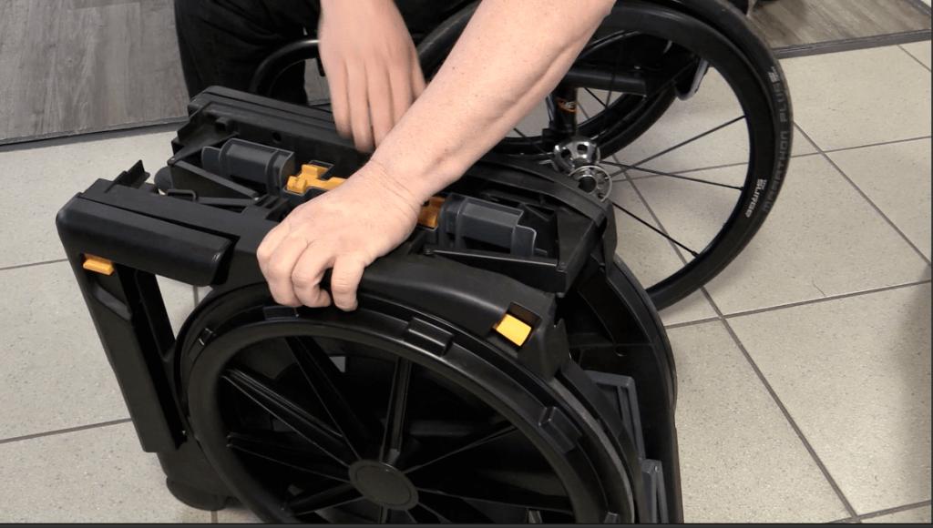 Falt Duschrollstuhl Toilettenrollstuhl Design Seatara Rollstuhl behindert barrierefrei Rehability Leichtrollstuhl